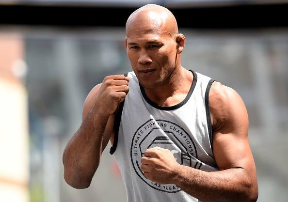Jacaré (foto) quer pegar Weidman (Foto: Reprodução/ Facebook UFC)