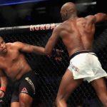 Luta entre Cormier (esq) e Jones (dir) ficou sem resultado (Foto: Reprodução/Facebook UFC)