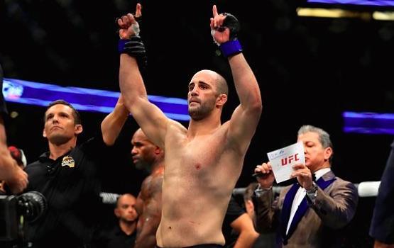 Oezdemir se envolveu em confusão fora do octógono (Foto: Instagram/UFCBrasil)