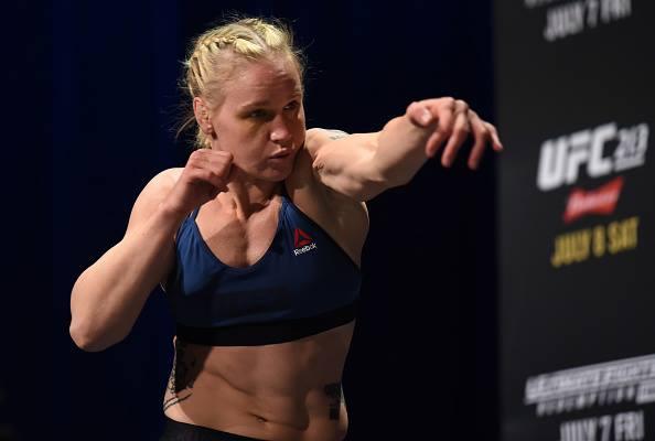 V. Shevchenko (foto) segue na bronca com Amanda (Foto: Reprodução Facebook UFC)