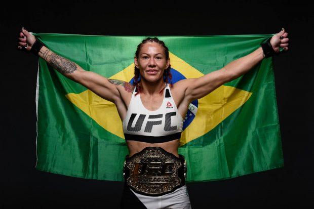 Cyborg busca status de superestrela no UFC 219 (Foto: Reprodução/Facebook UFC)