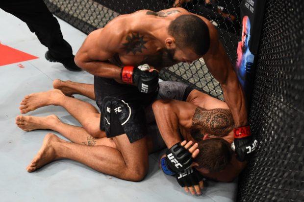 Marreta não deu chances para Hermansson (Foto: Reprodução/Instagram UFC)