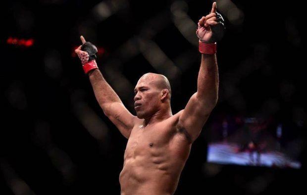 Jacaré fatura bônus no UFC Charlotte.(Foto: Reprodução/ Facebook/ RonaldoJacaré)