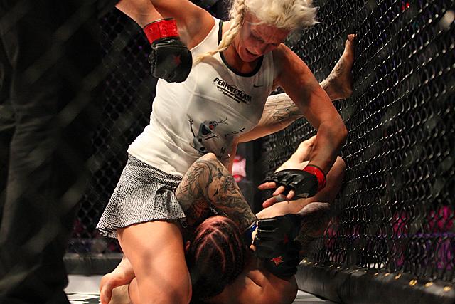 Cindy Dandois é mais uma a desafiar Cyborg. Foto: Reprodução