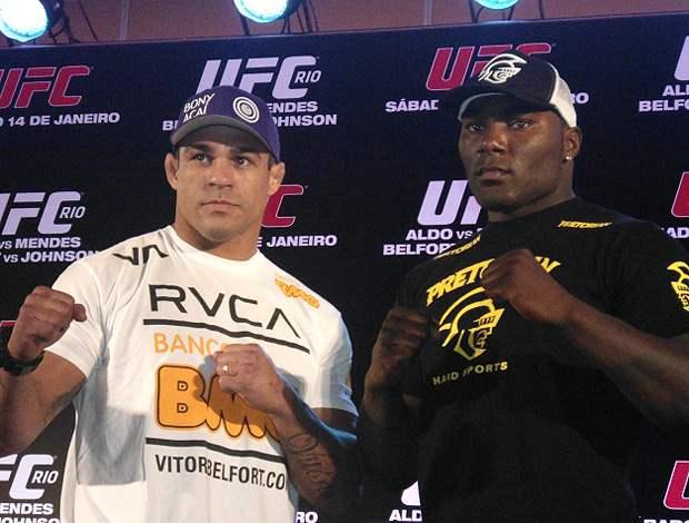 Belfort (esq.) e Johnson (dir.) se enfrentaram em 2012.