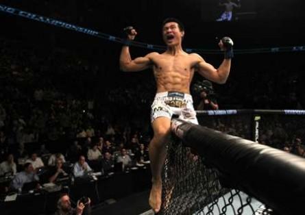 XXXX. enfrenta Aldo pelo cinturão dos penas no UFC Rio 4. Foto: Josh Hedges/UFC