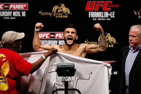 Lineker ganha uma posição no ranking dos pesos moscas. Foto: UFC.com