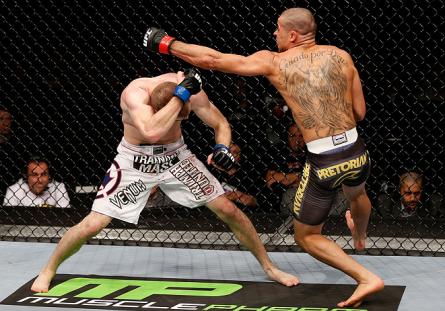 Disputa entre Barão (dir.) e McDonald (esq.) atraiu recorde de público à Wembley Arena. Foto: Josh Hedges/UFC