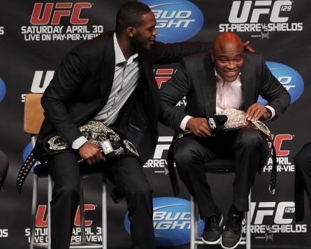 Jon Jones e Anderson Silva podem se enfrentar ainda em 2013. Foto: UFC/Divulgação