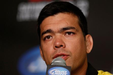 L. Machida faz sua segunda luta como peso médio em fevereiro de 2014. Foto: Josh Hedges/UFC