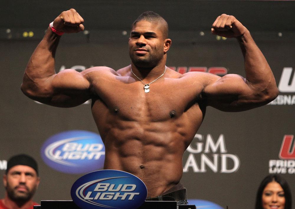 Overeem (foto) enfrenta Struve no UFC on FOX 13. Foto: Divulgação/UFC