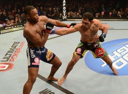 Última luta de Minotouro foi contra Evans, em 2013. Foto: Josh Hedges/UFC