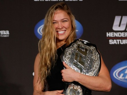 R. Rousey (foto) concorrerá em duas categorias no ESPY Awards. Foto: Josh Hedges/UFC