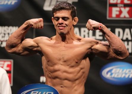 Cearense Caio Magalhães (foto) vai enfrentar Josh Samman em Orlando. Foto: Josh Hedges (UFC)