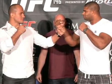 Luta entre Cigano (esq.) e Overeem (dir.) chegou a ser agendada em 2012. Foto: UFC