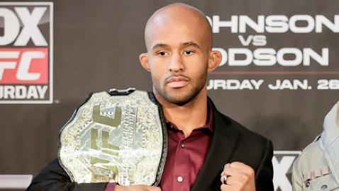 Demetrious Johnson defenderá cinturão dos moscas contra Chris Cariaso no UFC 177