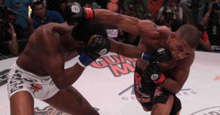 Kevin vence Solado e conquista cinturão do Jungle. Foto: Fernando Azevedo