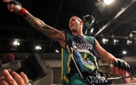 S. Ponzinibbio (foto) comemora vitória no TUF Brasil 2. Foto: Divulgação/UFC