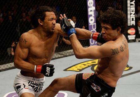 Jurado associado à academia de Gilbert Melendez (dir.) causou polêmica. Foto: Josh Hedges/UFC