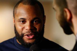 O invicto D. Cormier vai enfrentar R. Nelson na próxima luta, mas não deixa de falar em J. Jones. Foto: Josh Hedges/UFC