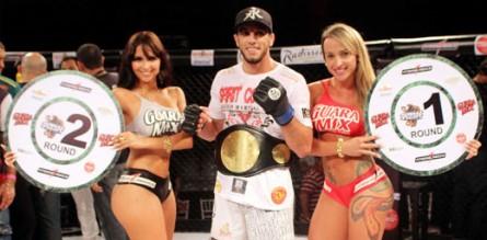 Elias Silverio (c) conquista cinturão dos meio-médios do Jungle Fight
