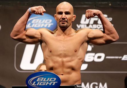 G. Texeira (foto) será o próximo desafiante ao cinturão dos meio-pesados. Foto: Josh Hedges/UFC