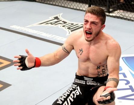 John Albert precisa de uma vitória para não ser demitido pelo Ultimate. Foto: Josh Hedges/UFC