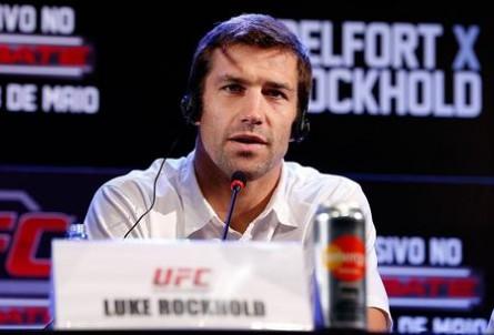 L. Rockhold (foto) reconhece superioridade de Belfort. Foto: Josh Hedges/UFC