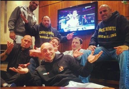 Equipe de M.Shogun faz pose e lamenta o adiamento da luta contra C.Sonnen. Foto: Reprodução/Instagram