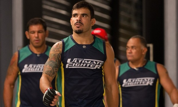 T. Jambo (centro) durante sua participação no TUF Brasil 2. Foto: Divulgação/UFC