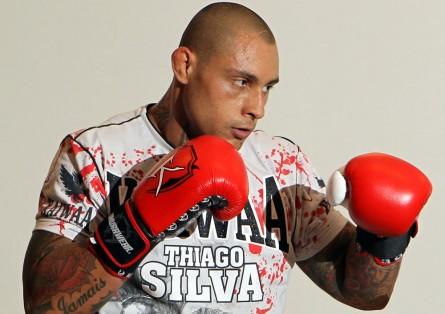 """""""Rei da Marra"""" T. Silva (foto), volta a lutar em janeiro. Foto: Josh Hedges/UFC"""