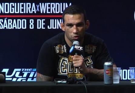 Werdum (foto) gostaria de voltar ao TUF, mas contra Velasquez. Foto: Reprodução/YouTube