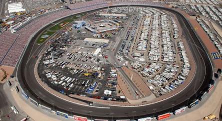 UFC pode realizar evento em um autódromo ainda em 2013