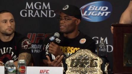 A. Silva (foto) diz que a idade não será problema no UFC 162. Foto: Reprodução / Youtube