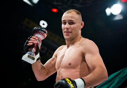 Meio-médio alemão Benjamin Brinsa (foto) é agora lutador do UFC. Foto: Facebook/Reprodução
