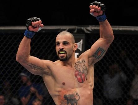 C.Philippou (foto) vem de cinco vitórias consecutivas no Ultimate. Foto: Josh Hedges/UFC