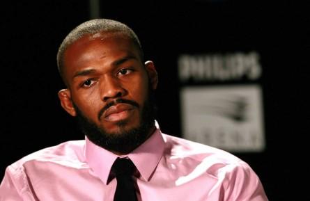 J. Jones (foto) enfrentará Cormier em janeiro. Foto: Josh Hedges/UFC