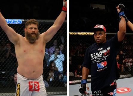 R.Nelson (esq.) encara o invicto D. Cormier (dir.) no dia 19 de outubro. Foto: Produção MMA Press (UFC/Divulgação)