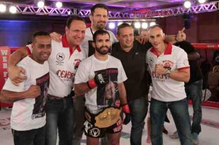 Pedro Nobre com cinturão do Web Fight Combat