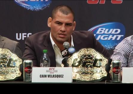 C. Velasquez (foto) se mostrou confiante em manter o cinturão. Foto: YouTube/Reprodução