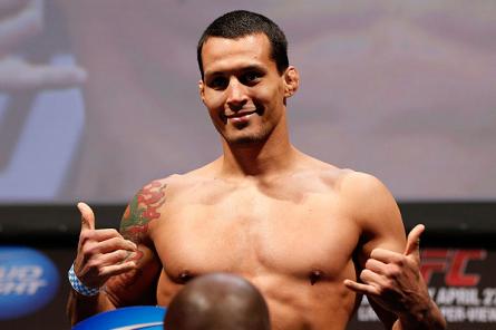V. Magalhães (foto) busca sua segunda vitória no UFC no Rio. Foto: Josh Hedges/UFC