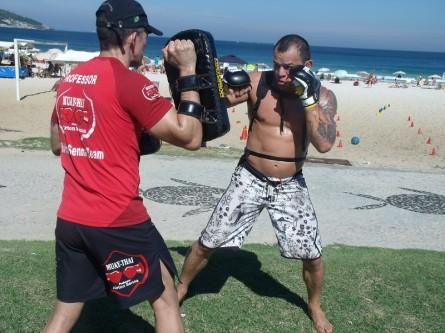 Tibau iniciou os treinos para o UFC 164 em uma praia no Rio de Janeiro. Foto: Divulgação/Talk Sports