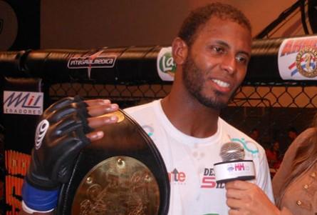Kevin Souza (foto) vai estrear no UFC em setembro. Foto: Divulgação