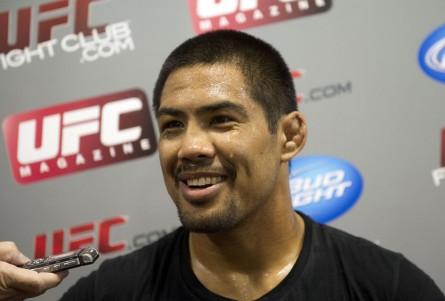 M.Muñoz (foto) entrou no jogo de provocações proposto por Bisping. Foto: Josh Hedges/UFC