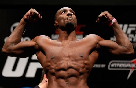 P. Davis (foto) levou a melhor contra L.Machida na luta co-principal do UFC Rio 4. Foto: Josh Hedges/UFC