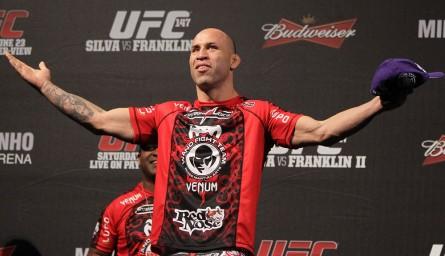 W.Silva (foto) segue aguardando o contato do UFC sobre uma possível luta contra Sonnen. Foto: Josh Hedges/UFC