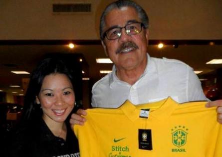 Renata-e-Stitch-com-camiseta-do-brasil-chamada