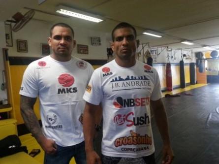 L. Besouro ao lado de Gugu Besouro. Irmão de lutador do UFC luta no Bitetti Combat 18