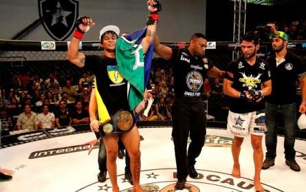 T. Trator conquista o cinturão do Jungle Fight. Foto: Fernando