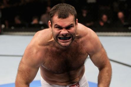 Napão (foto) vive boa fase desde que retornou ao Ultimate. Foto: Josh Hedges/UFC